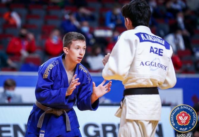 В Красноярск вернулся серебряный призер первенства Европы по дзюдо Даниил Мустафин